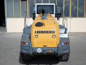 Chargeur sur pneus -Liebherr L 566